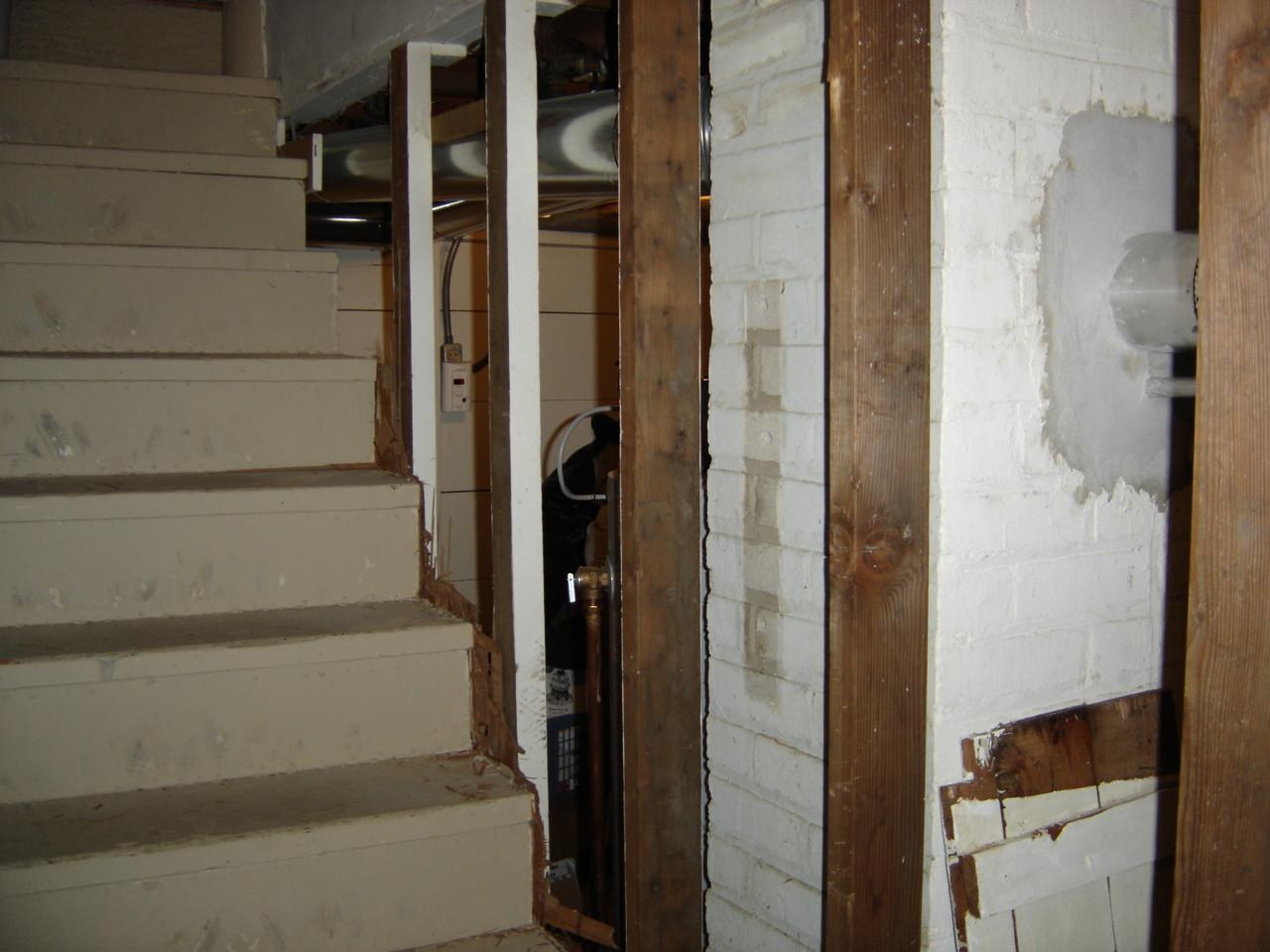 drew's basement (7).JPG