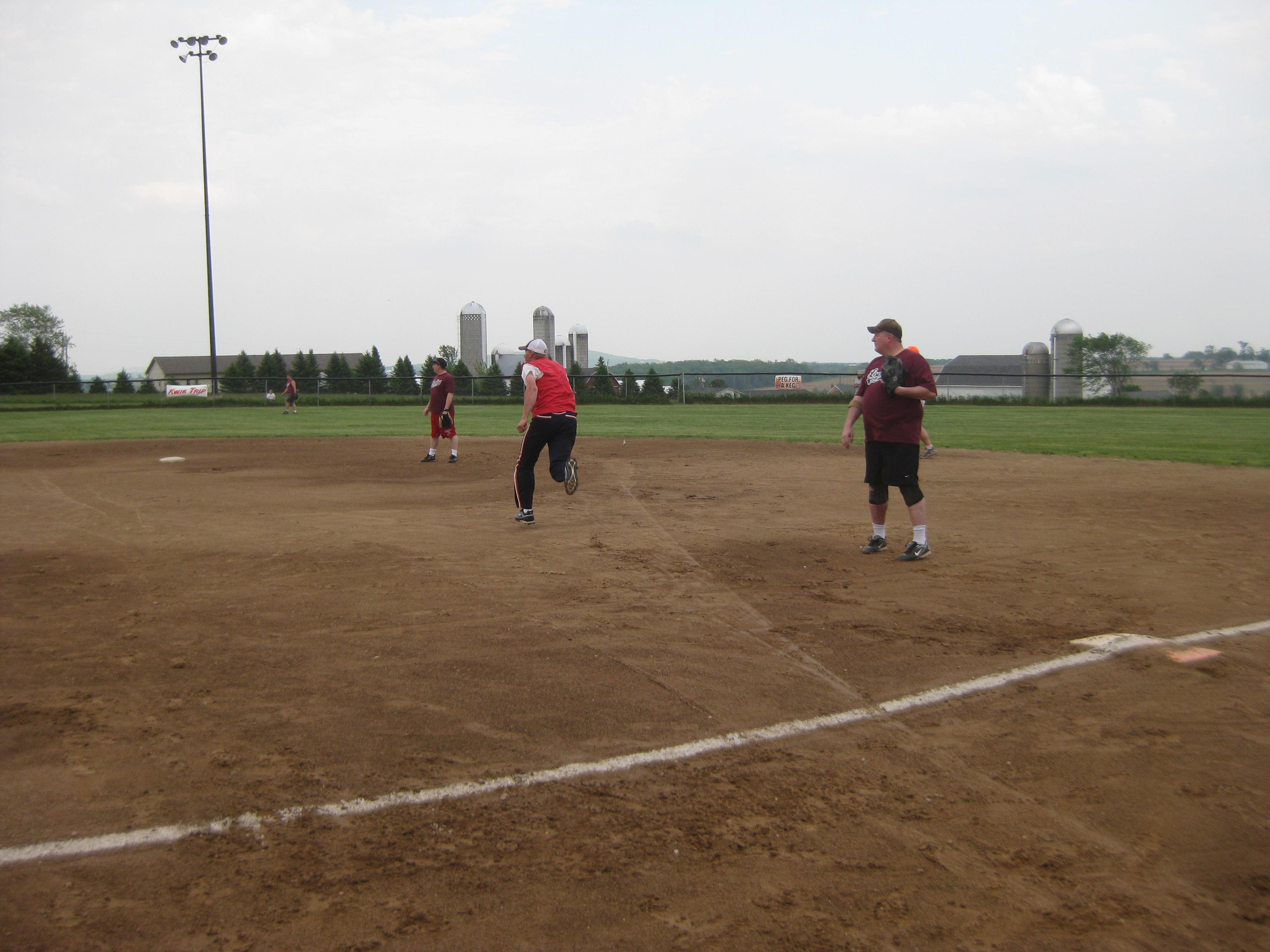 TR Softball 2011 019.jpg