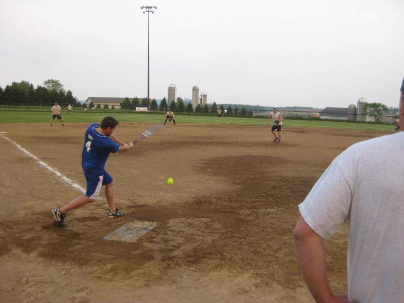 TR Softball 2011 037.jpg