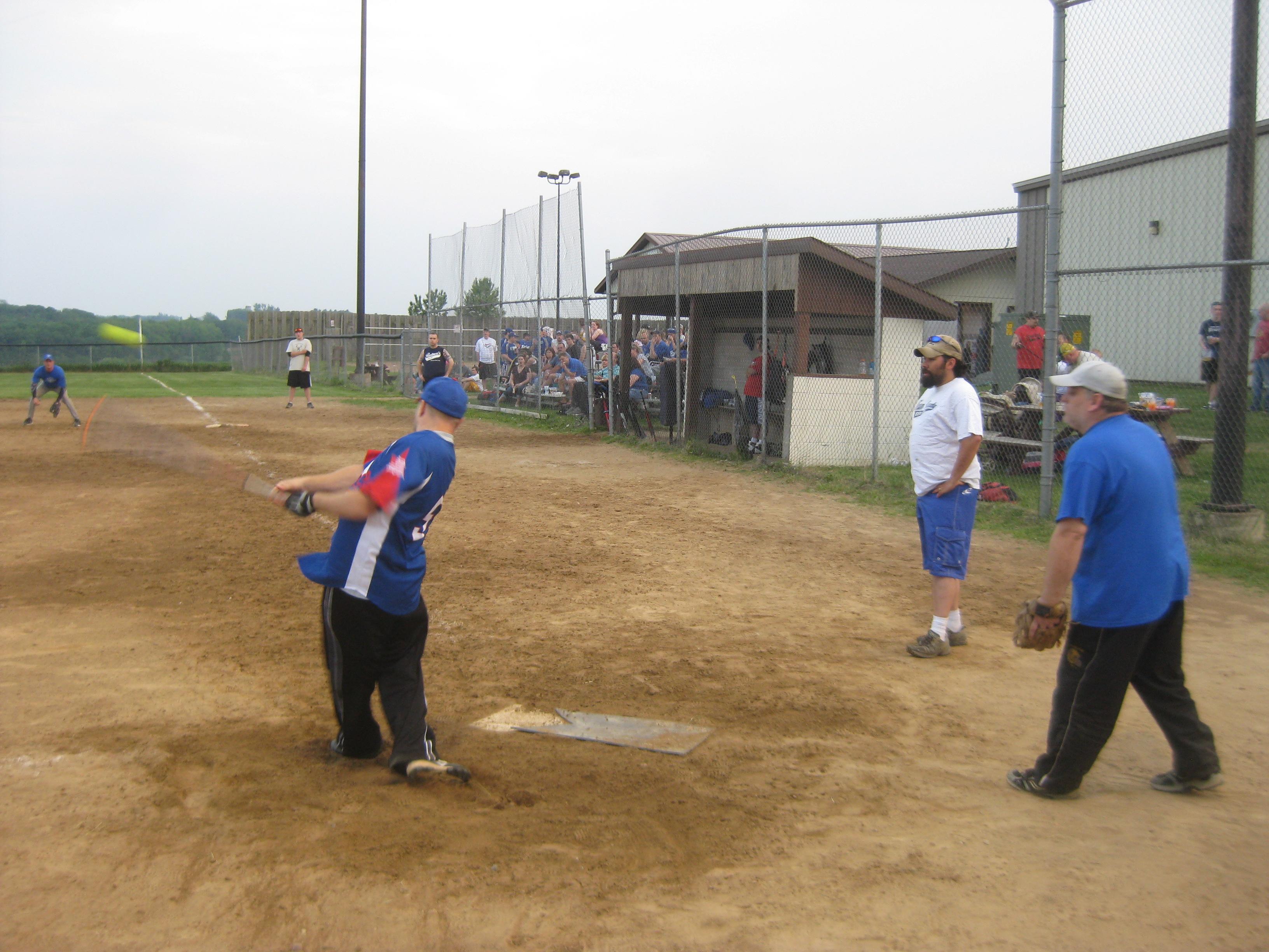 TR Softball 2011 044.jpg